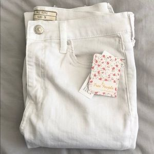 Free People White Distressed jeans